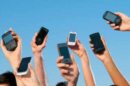 Over 50s join the smartphone revolution