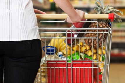 El consumidor compra cada vez más frescos en el super, realizando cestas más grandes