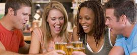 Gastamos 475 euros al año en picar y beber fuera de casa