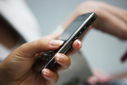 Geração Y é a que mais usa smartphone