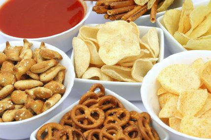 Más de 79% de los hogares en el mundo ahora compran snacks.