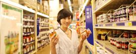 快速消费品市场二季度稍抬头 ;联盟并购成固位主战略