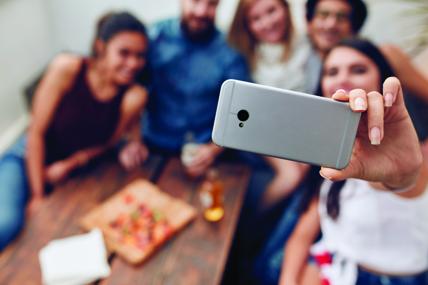 9 de cada 10 españoles tiene teléfono móvil, y 7 de éstos son Smartphones