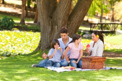 El verano trae diversión para los niños, pero también destaca el cambio de hábitos de consumo y de gasto en los hogares a lo largo de la temporada