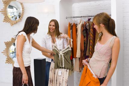 ¿Sabías que la mitad de quienes compran ropa, es para mujeres?