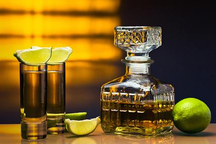 El Tequila ocupa el primer lugar en los hogares mexicanos, tanto en gasto como en volumen en donde cada hogar adquirió 3 Lt. de esta bebida alcohólica.
