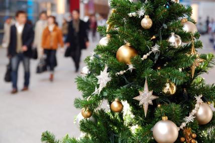 Los hogares cada vez compran antes los productos navideños
