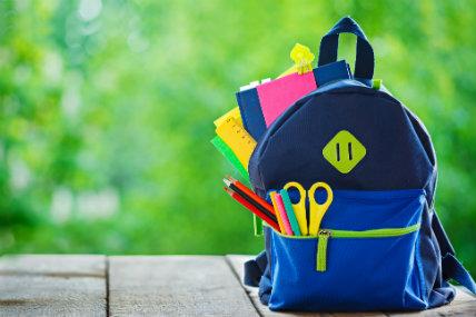 El 22% de los peruanos declaró que tiene que comprar útiles escolares para sus hijos.