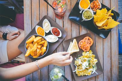 Las cenas entre semana y las comidas de fin semana momentos en auge