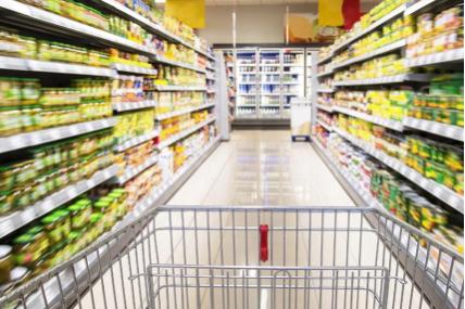 Consumidor não deixou de procurar por promoções
