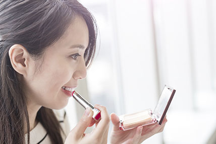 The current status of Chinese cosmetic market, channels and the interaction of the mobile platform