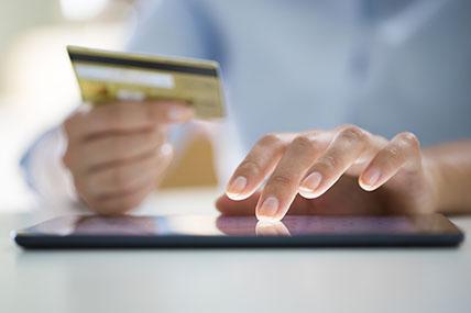 UK online grocery sales reach 7.3% market share