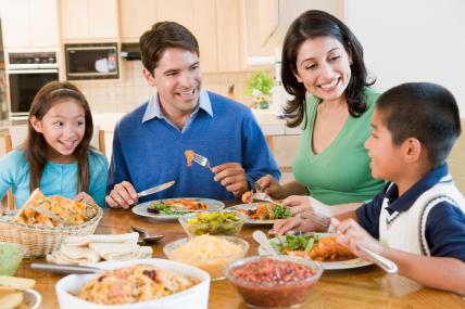 Una familia mexicana promedio tarda en preparar la comida 40 minutos