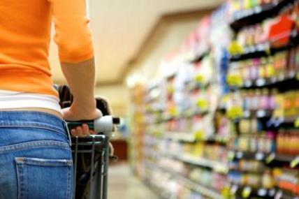 Continued positive momentum among Irish supermarkets, with growth hitting 3.9%.