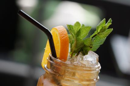 Bebidas como el té helado cobran relevancia en los meses de calor, en especial entre mayo y junio