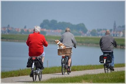 新熟齡消費趨勢報告:全面掌握50-65歲最敢花錢的世代!