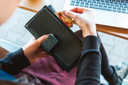 Limeños destinarán su gratificación para pago de deudas