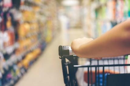 En julio el consumo cayó por tercer mes consecutivo