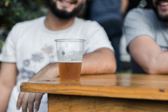 Mayores de 40 años son quienes más gastan en cerveza