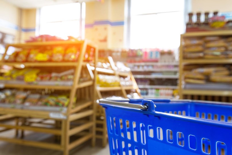 El consumo continúa desacelerando su caída en mayo