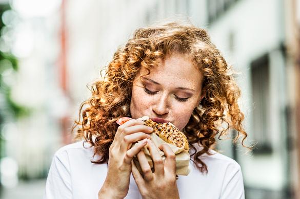El sector de alimentos y bebidas se enfrenta al gran reto de la gestión de un consumo mucho más complejo y desestructurado.