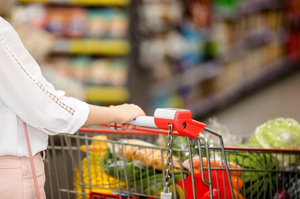 中国消费市场在经济不确定性下继续前行,三季度同比增长5.6%