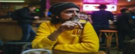 No verão, brasileiros gastam mais com cerveja OOH