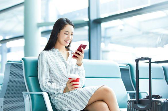 受新冠疫情影响,消费者推迟购买手机,转向低价手机的趋势仍在继续