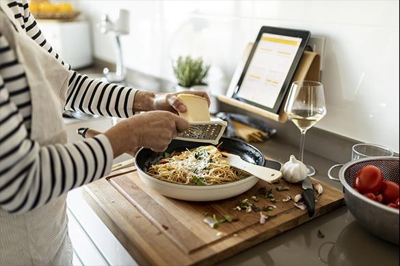 Casi 11 millones de comidas semanales nuevas en casa