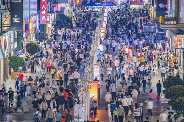 """中国经济全面""""转正"""",三季度快消品市场再提速"""