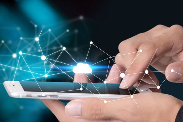 Smaller screens and 5G: next smartphone battleground