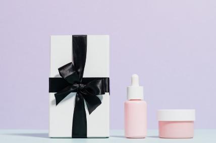 뷰티 시장에 온기를 더하는 화장품 선물 시장 키워드: On, Fun, Premium